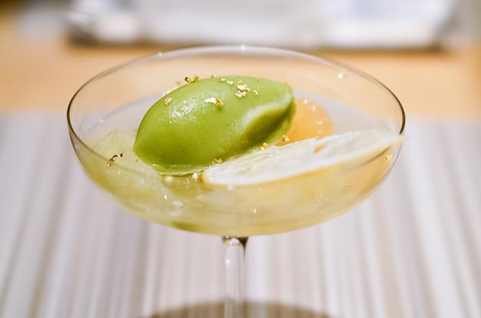 『白木果実園土佐文旦バジルのソルベ』は、文旦とバジルの意外な組み合わせが、さっぱりとしていて爽やかに口の中に広がります。