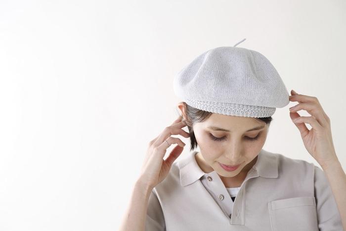 柔らかくて優しい佇まいが魅力の春夏用リネンベレー帽。ふっくらと自然な丸みが美しく、ほんのり透け感もあるので見た目も爽やかです。