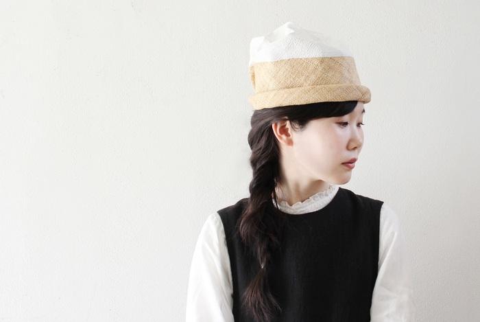 お気に入りの帽子とヘアアクセサリーは見つかりましたか?夏のコーディネートをランクアップさせるには、小物にこだわるのが一番◎。ぜひ、この夏の相棒をワードローブに取り入れてみてくださいね。