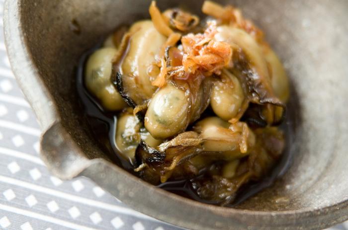 名前が似ている《ウスターソース》ですが、牡蠣を原料にしているオイスターソースに対して、ウスターソースは野菜や果物が原料。酸味と爽やかさがあるウスターソースには、お砂糖やはちみつを混ぜると代用できるようです。