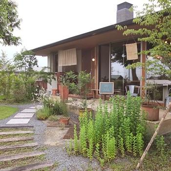 南阿蘇にある小さな和カフェ「みそらやcafe」。アットホームな雰囲気の小さな一軒家で、美味しい和風スイーツをいただくことができます。