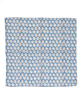 眠そうなフクロウの柄がキュートな、インド綿100パーセントのハンカチです。洗うたびに柔らかさと風合いが増すのだそう。