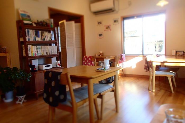アットホームな雰囲気の店内。空き家だった一軒家をリノベーションしたそうで、居心地が良い空間です。