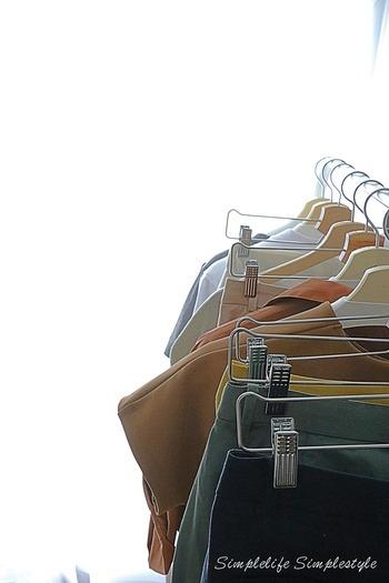 洗い替えがたくさん欲しい時期。ワードローブの見直しも大切です。洗濯の頻度も増えますので、生地の傷みやほつれが出ていないかチェックしてみましよう。