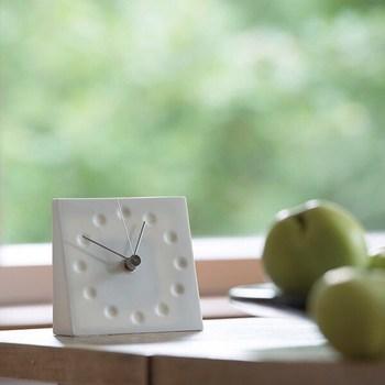 活動時間が長くなる夏にぴったりの朝美容。早起きの習慣がつくことで生活リズムが整い、日中も生産的に過ごせるはず。ぜひ参考にして、朝の時間を素敵な美容タイムに生かしましょう!