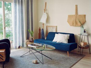 お部屋にソファが欲しいけど、どんなのが良いか迷っていませんか?選ぶソファによって、リビングでの生活は変わってきます。お部屋や目的をよく考えて、失敗しないソファ選びをしましょう。