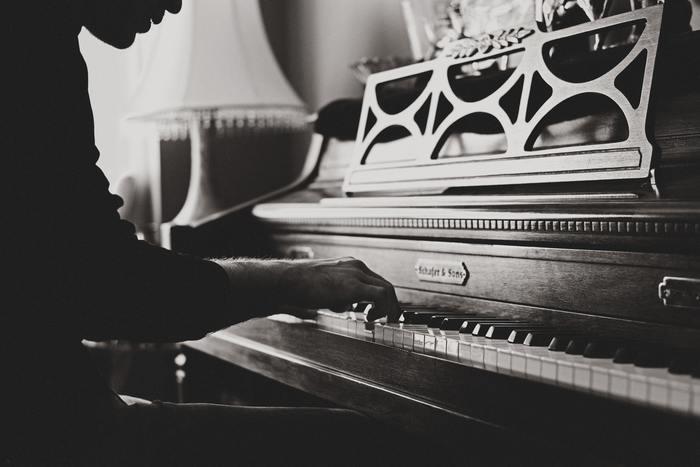 現代の音楽はプログラミングされた電子音楽にあふれています。時には、一人一人の演奏者が丁寧に心を込めて奏でているクラシック音楽にじっくりと耳を傾けてみませんか?