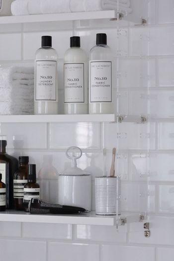 お洒落で素敵なパッケージと、心地良い香り、贅沢な洗い心地で人気のランドレスの洗剤シリーズ。ベーシックな洗剤から、デリケートな衣類用などいろいろな種類の洗剤がラインナップされていて、香りも楽しめます。パッケージが素敵だから、見える場所に並べておいても素敵です。
