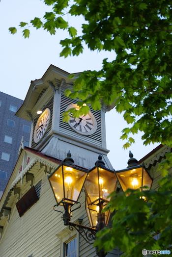 また、札幌には長きに渡り道政を担った北海道旧本庁舎や、札幌市時計台、札幌農学校として開校した北海道大学など、歴史や文化に触れることの出来る多くの建物、観光名所が存在します。