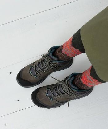 しっとり上質感のあるヌバックレザーのアッパーが、柔らかく心地よい履き心地をかなえてくれる、キーンのミッドカットブーツ「テラドーラ」。