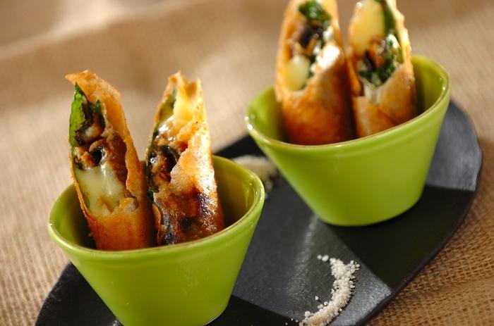 うなぎとチーズの組み合わせが絶妙な春巻きレシピ。粉山椒をかけて、ちょっと変わった春巻き・うなぎ料理はいかがですか?おつまみにもぴったりの一品です。