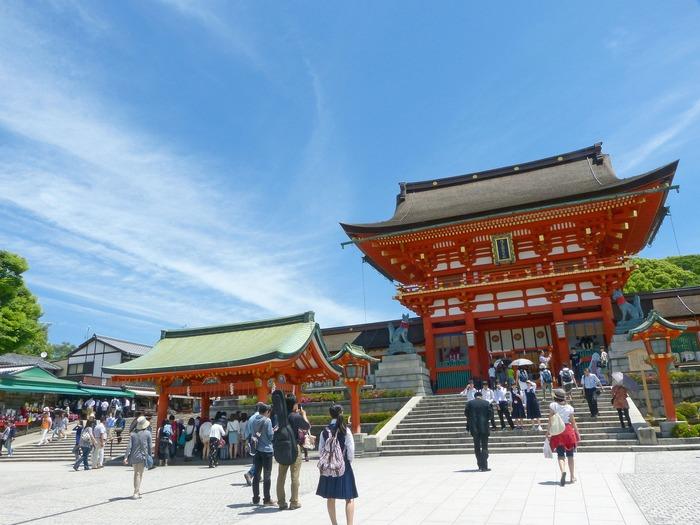 京都の7、8月は立っているだけでも汗をかくぐらいの猛暑に見舞われます。京都散策の途中に、きっと「どこかでひと休み」したくなりますよね。そんな時にカキ氷は持ってこい!京都には沢山の美味しいカキ氷屋さんがあるんですよ。王道な抹茶味から、見た目も楽しめるフォトジェニックなお店まで、何軒まわっても飽きがこないほど素敵なラインナップ!今回は、数あるカキ氷店の中でもキナリノ読者の皆様方に特におすすめしたいお店を厳選してご紹介しましょう♪