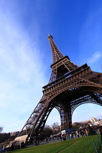 近いうちにパリに行きたい、今度のお休みで行く予定がある!という方もいらっしゃるのでは?