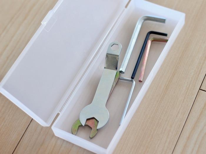 普段は使わなくても、必要な時になければ持っいても意味がありません。細々としたものには専用のケースを作ってしまっておきましょう。