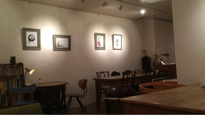 現在5店舗あるモーツアルトですが、はじめのお店が仙台フォーラスの横のビル、3階にあります。椅子やテーブルは様々な種類があり、何度来ても新鮮な気持ちで時間を過ごすことができますよ。