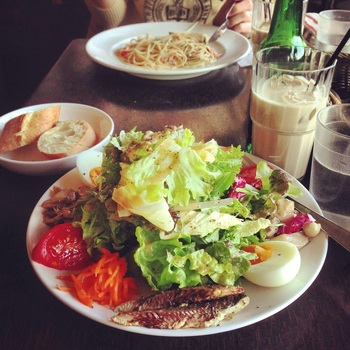 野菜の新鮮さにも定評が。『サラダランチ』。