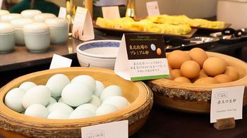 卵ももちろん自然卵。東北牧場のプレミアム卵で作っただし巻き卵は絶品です。
