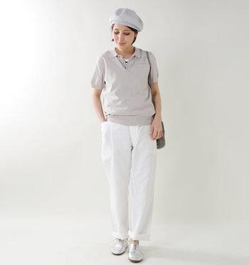 シンプルなコーディネートにさらっと合わせるだけで、ぐっとこなれた雰囲気に。パンツとスカート、どちらとも相性バツグンです。子供っぽく見えないのもいいですね。
