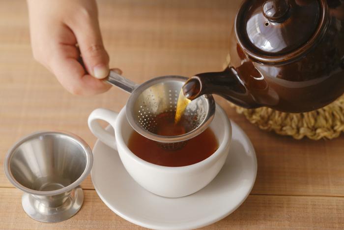 お湯を沸かして丁寧に淹れた紅茶は味も香りも全然違います。いつものティータイムが、もっと素敵な時間になります。 お気に入りのポットやカップを使えば、さらに幸せな気分になれそうですね。