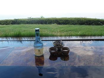 お酒好きの人なら、一度は温泉に浸かりながらお酒を飲んでみたいと思うのではないでしょうか。「月のうさぎ」では、露天風呂に浸かりながら、オリジナルの日本酒や漬物がいただけます。お酒好きな人には、たまらない贅沢三昧ですね。