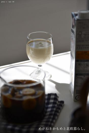 ドリンクとして飲む場合は、5~10倍程度に薄めてください。飲むなら、酸味がまろやかな黒酢やフルーティーな果実酢が向いています。