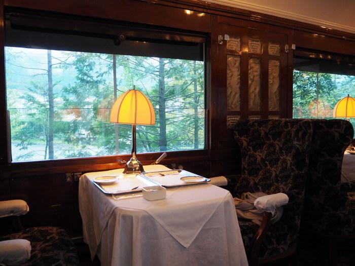 今記事では、「仙石原」の魅力ある観光スポットと美術館の数々を案内しながら、ランチやカフェタイムにオススメのレストランや食事処、土産店を併せて紹介します。記事を参考に、ぜひ心地良い高原の一時を楽しんで下さい。 【「箱根ラリック美術館」オリエント急行客車内】