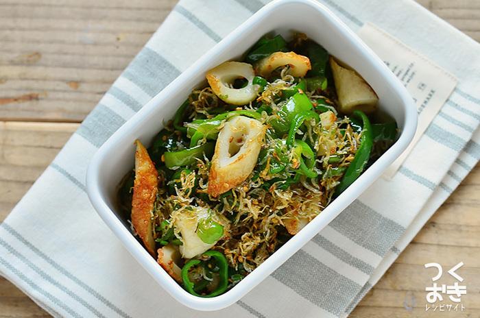 胃腸が疲れて肉や魚を食べる元気がない時でも食べやすい、ちくわとじゃことの佃煮風。買い置きしやすい材料でサッと作れるのも魅力のレシピです。
