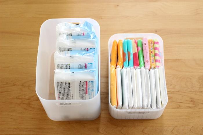100円ショップ、ダイソーの積み重ねボックスは、消耗品やポケットティッシュのストックにぴったり。 普通のサイズと子供用の小さいサイズのポケットティッシュが並んでジャストサイズです。