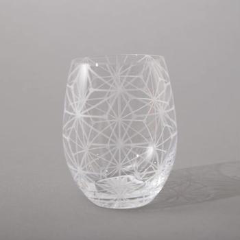 """「モクテル」は、ノンアルコールだけど""""カクテル風に見える""""のがポイントです。手持ちのグラスで作ってもいいのですが、せっかく楽しむのなら、グラスにもこだわってみませんか?"""