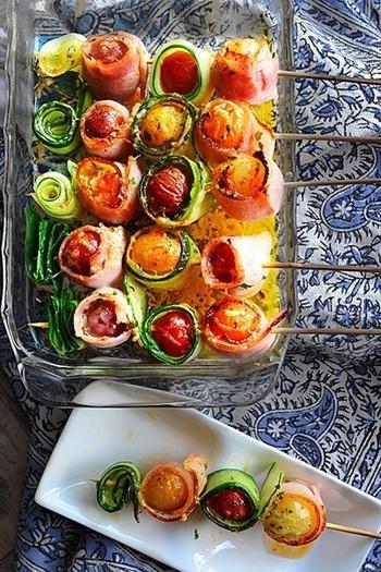 野菜と聞くだけで「いらない」というお子さんも多いはず。でも見た目がこんなにかわいかったら思わず手を伸ばすかもしれません。といっても、ママ達だって美味しく食べたい!いつも子どもの味覚に合わせて「辛くない、薄味」が鉄則になってしまいますが、このレシピなら後からペッパーやバジルなどのハーブソルトを使って、大人好みの味にすることもできます。