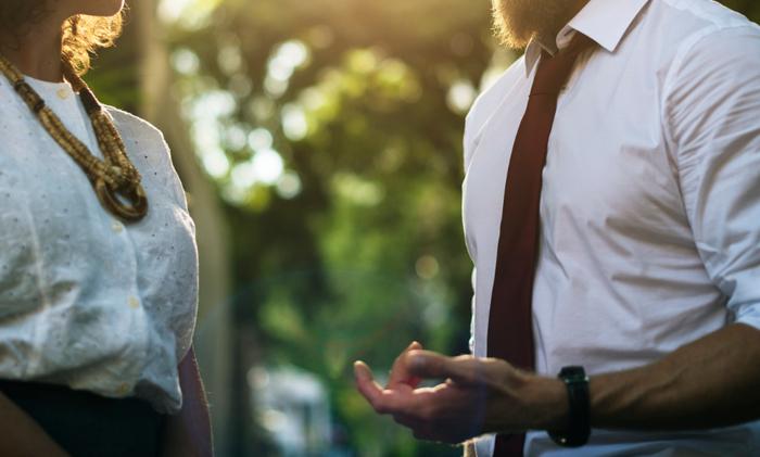 それぞれが仕事を持っているため、夫婦の時間を持つことがどうしても難しくなってしまうのも事実。また、税金や社会保険料、さらに食費や光熱費などの生活費も当然ながら2人分になるため、支出も大きくなります。