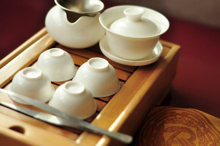 有名な台湾茶は簡単に手に入るかもしれませんが、もっと色々な種類を試したという方は、インターネットで「台湾茶 通販」と入れて検索してみて下さい。ズラリとたくさんの台湾茶専門店が出てきます。もし近くにお店があるなら直接出向いて、スタッフさんに相談しながらぜひお好みの台湾茶を見つけて下さいね。