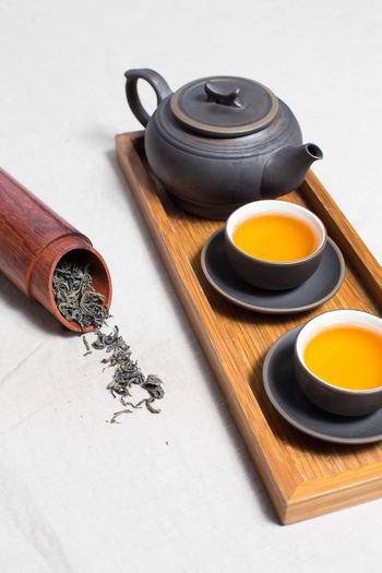 台湾茶の種類は果てしないほどあるのだそう。有名どころで言うと、「ジャスミン茶」や「プーアル茶」。そして、一度は聞いたことがあるかもしれない「凍頂烏龍茶」「東方美人」「茉莉花茶」「桂花茶」などです。