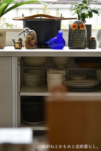 こちらはフィランドの食器・インテリアグッズメーカーのイッタラより販売されているBirdsシリーズの置物たち。コレクションしているものはやっぱり毎日眺めたいですよね。