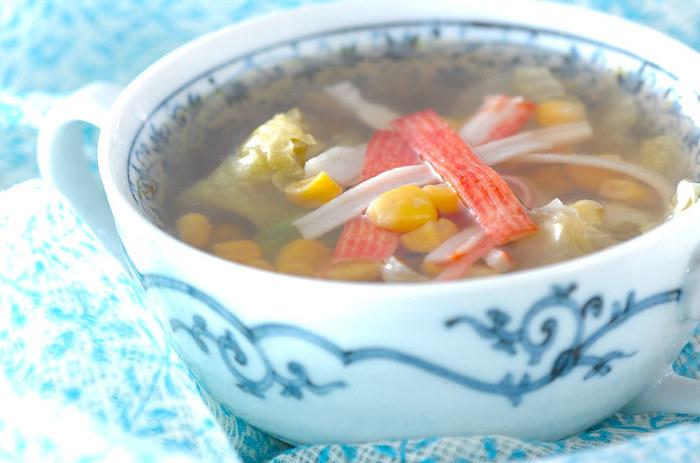 サラダで食べることが多いレタス。実はスープにするとシャキシャキした食感が楽しくて、とても美味しいんです。 レタスのシャキシャキ食感を残すには、食べる直前にスープを注ぐのがポイント!