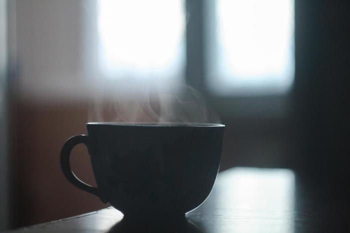 【白湯】とは、水を沸騰させただけの無色透明のお湯のことを言います。