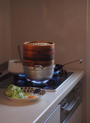 電子レンジではなく、蒸し器を利用してみるのもおすすめ。素材の美味しさを引き出してくれるので、質の高い料理ができます。