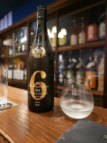 """〈No.6〉 新政の定番日本酒といえばこの「No.6」です。新政で発見されたという""""きょうかい6号酵母""""を使用し作られています。一般的にはあまり飲むことのできない、鮮度の高い純米の生酒です。"""