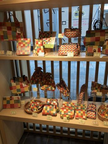 京都といえば、やはり和小物。京都ならではの趣き深いデザインは、和雑貨好きにはたまらないアイテムです。