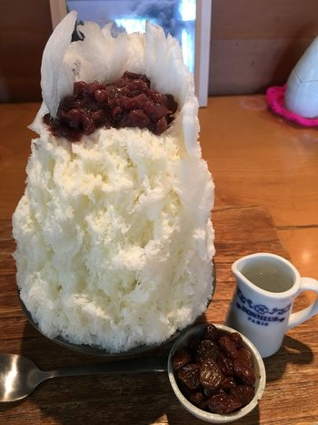 こちらも珍しい「ラムレーズンミルク金時」。手作りの餡子とミルク、ラムレーズンの組み合わせは意外なほどおいしいと評判です。