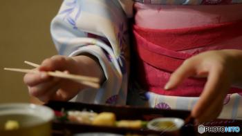 美味しさは言うまでもなく、子連れでも心配がない場所であることや、美しい内装が魅力的、などの「ロケーション」も、心のゆとりや楽しみを生む味わいのひとつかもしれません。  ランチで素敵で美味しい「京都」を味わって、ぜひ「楽しい気持ち」もお土産にお持ち帰りくださいね。