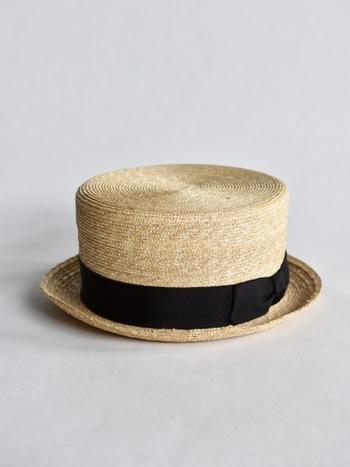 通気性がとてもよく、蒸れにくい天然素材の帽子。夏の日差し対策に、涼やかな帽子を取り入れたコーディネートをしてみませんか?