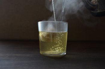 身体を温める生姜にレモングラスを加えた、ジンジャー&レモングラス茶は冷え症さんにおすすめの一杯。レモングラスは血行不良やむくみの緩和に効果があると言われています。