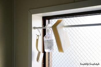 いかがでしたか?「お風呂掃除しなきゃ!」と気負わずにお風呂をきれいに保てそうな気がしませんか? 洗剤は専用のものをたくさん揃える必要はありません。汚れの特性を理解しておけば、ゴシゴシこすらなくても汚れを落とせるはず。