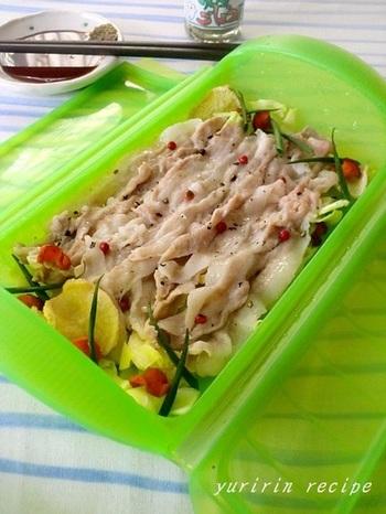 旨味、香り、栄養価が凝縮された干し野菜をたっぷり使った豚しゃぶ。野菜は甘く、豚肉は柔らかくてとっても美味しい。