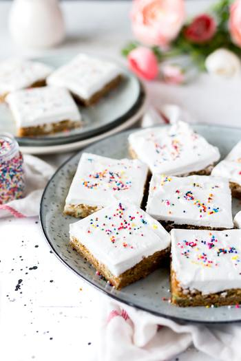 カップケーキやクッキーなど、焼くところまで用意をしてあげると、子供と一緒にデコレーションが楽しめます。食べるのはもちろん、実は一緒に作るのも子供は大好きなはず。その瞬間も楽しみたいですね。