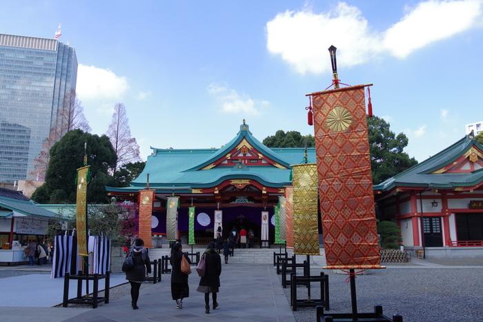 箸を敬う日本ならではの行事の1つが、東京・赤坂の日枝神社で行われている「箸感謝祭」です。箸に感謝し、延命長寿・無病息災を祈るお祭り。古くなった箸を浄火にくべて供養することができます。開催は毎年8月4日。