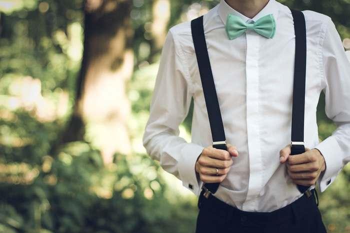 男の子ならパパとお揃いの蝶ネクタイはいかがでしょうか。ネクタイよりも体の小さな子供には蝶ネクタイの方が写真写りが良く、おすすめです。