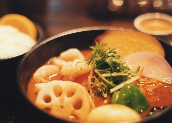 せっかく旅行に出かけたらたとえ食べ親しんでいるメニューでも、その土地で愛されているお店に行ってみたいと思いませんか?今回は観光地として大人気の札幌で観光客だけでなく、地元に人にも愛されているお店をご紹介します。