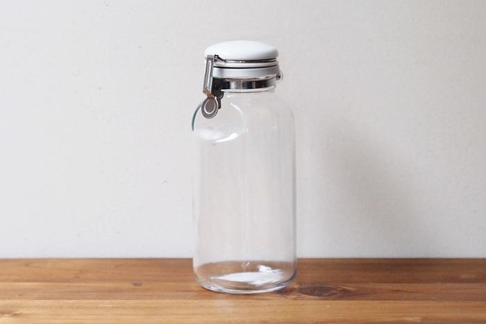 1962年創業の、ガラス製品の製造・販売を手がける老舗「星硝株式会社」の、見た目もシンプルでどんなインテリアにもすっきり調和する、ロングセラー商品のセラーメイトの密閉瓶。